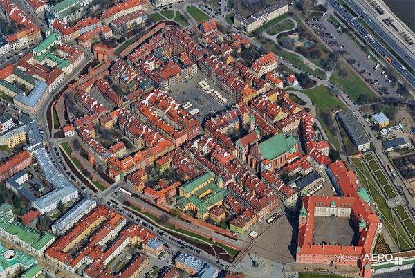 Zdjęcie ukośne Warszawy, fot. MGGP Aero