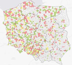 Stopień przeprowadzenia dekomunizacji w gminach: kolor czerwony ? nie przeprowadzono, żółty ? częściowo, zielony ? całkowicie