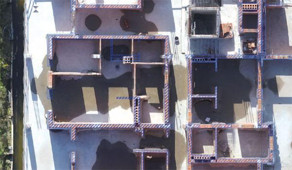 Rys. 7. Wynik integracji projektu z ortofotomapą w celu wykrycia błędów w wykonaniu prac budowlanych
