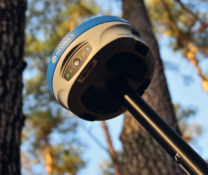 Odbiornik newS900A rewelacyjnie radzi sobie z pomiarami w trudnych warunkach, co szczególnie widać, mierząc w lasach