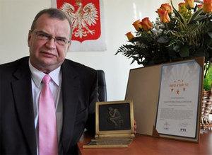 Janusz Dygaszewicz z nagrodą Info-Star