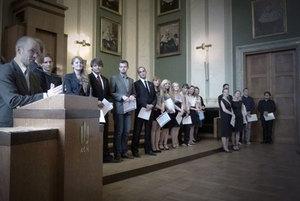 """Student geodezji wyróżniony w konkursie """"Studencki Nobel 2011"""" <br /> fot. NZS AGH"""