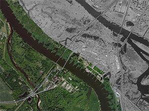 Dużo więcej zdjęć satelitarnych od Esri <br /> Kostrzyn nad Odrą