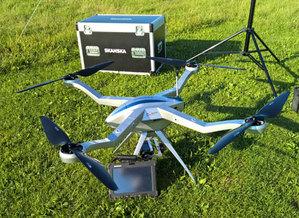 Dron pomaga na S8
