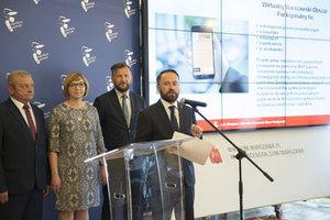 Warszawa i okolice w aplikacjach mobilnych <br /> Konferencja prasowa dotycząca aplikacji ułatwiających działanie w Warszawskim Obszarze Funkcjonalnym (fot. E. Lach)
