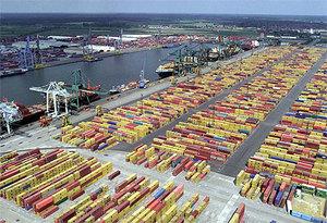 Tysiące kontenerów pod satelitarną kontrolą <br /> fot.Wikipedia/Arminius