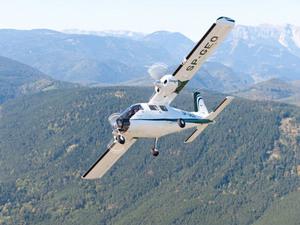 Samolot OPEGIEKA powodem zamieszania na Okęciu <br /> fot. OPEGIEKA