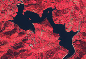 Jezioro Mucharskie, a nie Świnna Poręba. Co jeszcze zmieni się na mapie Polski? <br /> Jezioro Mucharskie [contains modified Copernicus Sentinel data 2018]