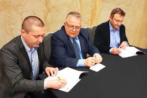 Kolejny krok ku geoportalowi województwa zachodniopomorskiego <br /> Podpisanie aneksu do porozumienia