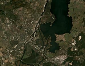 Dane z satelitów Planet będą łatwiej dostępne w ArcGIS <br /> Szczecin i Jezioro Dąbie na Planet Basemaps (fot. ProGea 4D)