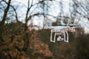 System koordynacji lotów dronów działa już na kolejnych lotniskach
