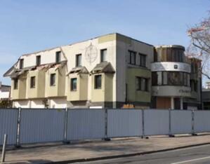 Duża nowelizacja Prawa budowlanego: nie tylko samowole budowlane <br /> Hotel Czarny Kot - jedna z najbardziej znanych samowoli w stolicy (fot. JK)