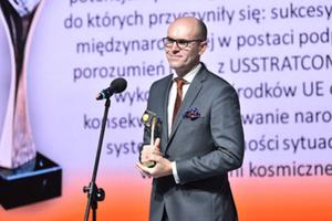 """Prezes POLSA nagrodzony """"Bursztynem"""" za współpracę międzynarodową"""