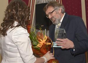 GeoAzymuty 2013 rozdane <br /> Statuetkę plebiscytu odbiera dr hab. Andrzej Pachuta