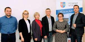 Kierunek: integracja baz i usług <br /> Od lewej: Rafał Władziński, Barbara Zienkiewicz, Krystyna Wilk, Sławomir Olejnik, Jolanta Nadłonek i Marek Ślązak; fot. JK