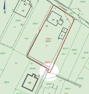 Lex specialis, a więc można odejmować! <br /> Wyrok WSA w Gliwicach, który wywołał dyskusję, dotyczy przypadku pokazanego na mapie. Poszło o wydzielenie 6 m kw. na poszerzenie wjazdu