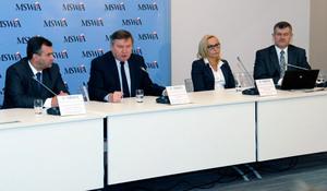 Projekt ISOK na konferencji prasowej MSWiA