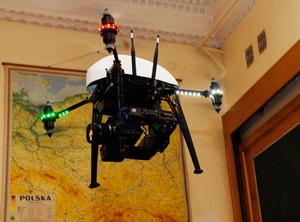 GIS Day na UW z latającą kamerą