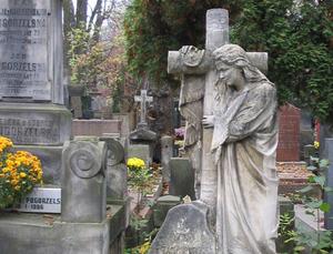 W podróży na groby najbliższych <br /> fot. AW