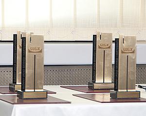 Wręczono nagrody w konkursie na aplikację wykorzystującą usługi KIEG i ULDK