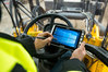 Pancerny tablet Algiz 8X jako poręczny odbiornik GIS