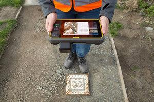 Trimble prezentuje kompaktowy tablet T7
