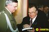 <b class=pic_title>Płk Eugeniusz Sobczyński i płk Zenon Biesaga- szef Zarządu Topograficznego w latach 1983-90</b> <br /> <br /> <b class=pic_author>fot.  Katarzyna Pakuła-Kwiecińska</b><br /> <br />