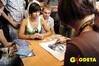 <b class=pic_title>W przerwach w zwiedzaniu stoisk można było zamówić swoją karykaturę lub portret - akcja promocyjna TPI pod hasłem </b> <br /> <br /> <b class=pic_description>Pomiar i obraz</b> <br /> <br /> <b class=pic_author>fot.  Marek Pudło, Anna Wardziak, Jacek Smutkiewicz</b><br /> <br />