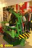 <b class=pic_title>Targi Geologia to doskonała okazja, by na salony z dywanami wprowadzić maszyny pracujące na co dzień w pyle i kurzu</b> <br /> <br /> <b class=pic_author>fot.  Marek Pudło</b><br /> <br />