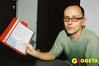 <b class=pic_title>Mariusz Frątczak z protokółami kontrolnymi</b> <br /> <br /> <b class=pic_author>fot.  Marek Pudło</b><br /> <br />