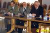<b class=pic_title>Grono naukowe z dwiema teczkami: Wojciech Wilkowski, Piotr Skłodowski i Stanisław Pachuta</b> <br /> <br /> <b class=pic_author>fot.  Anna Wardziak</b><br /> <br />