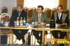 <b class=pic_title>Biznes z trzema teczkami: Marek Ziemak, prezes Geodezyjnej Izby Gospodarczej (w środku), Wojciech Matela, GIG(z lewej)</b> <br /> <br /> <b class=pic_author>fot.  Anna Wardziak</b><br /> <br />