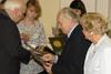 <b class=pic_title>Prof.  Zdzisław Adamczewski otrzymał Złoty Dyplom, podobnie jak 69 innych absolwentów, którzy ukończyli Wydział co najmniej 50 lat temu</b> <br /> <br /> <b class=pic_author>fot.  JP</b><br /> <br />