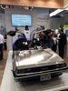 """<b class=pic_title>Intergeo 2018: różności</b> <br /> <br /> <b class=pic_description>Na każdych targach grunt to skuteczne przyciągniecie uwagi zwiedzających. W tym roku na wyróżnienie w tym zakresie zasługuje wystawienie samochodu DeLorean ze znanego filmu """"Powrót do przyszłości""""</b> <br /> <br /> <b class=pic_author>fot.  Jerzy Królikowski</b><br /> <br />"""