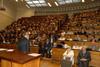 <b class=pic_title>W sali 315 odbyło się odsłonięcie tablicy upamiętniającej prof. Czesława Kamelę (1910-92)</b> <br /> <br /> <b class=pic_author>fot.  JP</b><br /> <br />