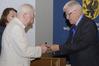 <b class=pic_title>Bałtycki Kongres Geodezyjny</b> <br /> <br /> <b class=pic_description>Diamentową odznakę honorową NOT otrzymał członek SGP Artur Orzeł</b> <br /> <br /> <b class=pic_author>fot.  Damian Czekaj</b><br /> <br />