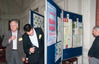 <b class=pic_title>XXXVIII Ogólnopolska Konferencja Kartograficzna</b> <br /> <br /> <b class=pic_description>O zwycięstwie w konkursie Mapa Roku 2014 decydowały głosy członków Stowarzyszenia Kartografów Polskich, natomiast nagrodę publiczności przyznawali wszyscy uczestnicy konferencji; zgłoszone do konkursu mapy przed głosowaniem można było oglądać na miniwystawie</b> <br /> <br /> <b class=pic_author>fot.  Anna Wardziak</b><br /> <br />