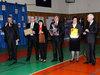 <b class=pic_title>Patroni i goście olimpiady tuż przed wręczeniem upominków najlepszym olimpijczykom</b> <br /> <br /> <b class=pic_author>fot.  Anna Wardziak</b><br /> <br />