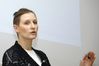 <b class=pic_title>Mirosława Kaszczuk (WAT) prezentowała zalety głowicy laserowej zaprojektowanej dla UAV</b> <br /> <br /> <b class=pic_author>fot.  JP</b><br /> <br />