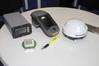 <b class=pic_title>Nowości firmy Hemispehere ? od lewej: Vector VS330 do precyzyjnego wyznaczania azymutu, ręczny zestaw RTK XF300 oraz miniaturowa antena z wbudowanym odbiornikiem A325</b> <br /> <br /> <b class=pic_author>fot.  Jerzy Królikowski</b><br /> <br />