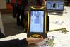 <b class=pic_title>Wyposażony w system operacyjny Android tablet Qpad z prostym odbiornikiem GPS oraz procesorem 1 GHz. Na ekranie widoczne oprogramowanie GIS-owe Giscuit działające w środowisku przeglądarki internetowej</b> <br /> <br /> <b class=pic_author>fot.  Jerzy Królikowski</b><br /> <br />