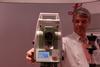<b class=pic_title>Tachimetr Leica TS15. Dzięki kamerze 5 Mpx na ekranie urządzenia można nawet poprawiać makijaż</b> <br /> <br /> <b class=pic_author>fot.  Jerzy Królikowski</b><br /> <br />