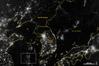 <b class=pic_title>Półwysep Koreański ? uwagę zawraca duża różnica jasności Korei Płn. u Płd.</b> <br /> <br /> <b class=pic_author>fot.  NASA (lic. CC)</b><br /> <br />