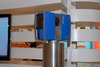 <b class=pic_title>Targi INTERGEO 2013 ? skanery i fotogrametria</b> <br /> <br /> <b class=pic_description>Skaner Faro Focus 3D X. Cechuje go większy zasięg (330 m), lepsza dokładność (0,3 mm), I klasa bezpieczeństwa lasera oraz wbudowany odbiornik GPS</b> <br /> <br /> <b class=pic_author>fot.  Jerzy Królikowski</b><br /> <br />