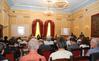 <b class=pic_title>Wykłady odbywały się w sali Hotelu Europejskiego</b> <br /> <br /> <b class=pic_author>fot.  Barbara Stefańska</b><br /> <br />