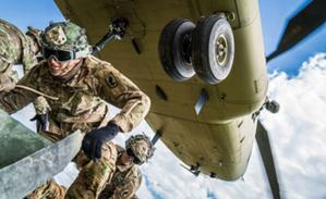 Nowoczesny wojskowy sygnał GPS wchodzi do wstępnego użycia <br /> fot. US Army/Robert Fellingham