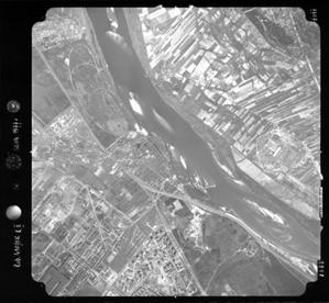 GUGiK publikuje w Geoportalu miniatury archiwalnych zdjęć lotniczych