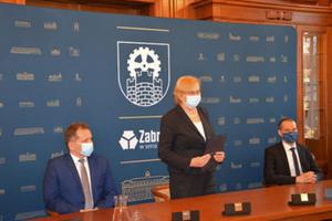 Rusza wart ponad 11 mln zł projekt dotyczący rozbudowy e-usług w Zabrzu <br /> Głos zabiera prezydent Zabrza Małgorzata Mańka-Szulik