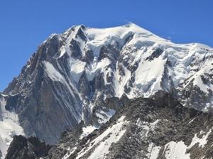 Mont Blanc wciąż się kurczy <br /> fot. Wikipedia/Ximonic, Simo Räsänen