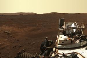 Z mapą na podbój Marsa <br /> Fragment pierwszej panoramy wykonanej przez łazik Perseverance (fot. NASA/JPL-Caltech/ASU/MSSS)